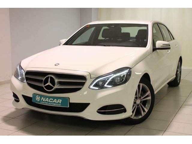 Mercedes-Benz 220 E -CLASS (+)2.1  BLUETEC AVANTGARDE 170 4P
