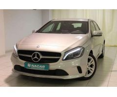 Mercedes-Benz 180 A 1.6  STYLE 122 5P